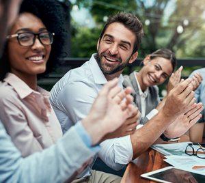 La capacidad de trabajar en equipo, resolver conflictos y tomar decisiones, las habilidades más valoradas por las empresas