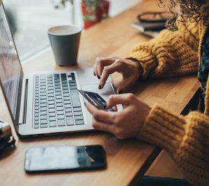InfoJobs registra más de 2.000 vacantes para trabajar en el período de rebajas