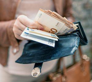 1 de cada 5 españoles estaría dispuesto a recibir su sueldo en B